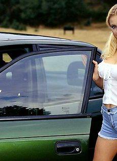 Лиля в машине - фото #