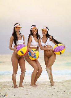 Пляжный футбол от Кодак Голд - фото #