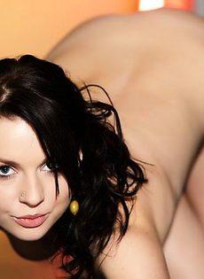 Trisha и её не долгоиграющий сексуальный наряд - фото #