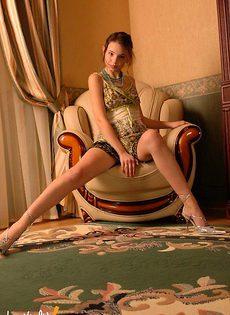 Девушка в платье эротичный фотосет - фото #