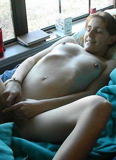 Девушка дрочит мужику - фото #
