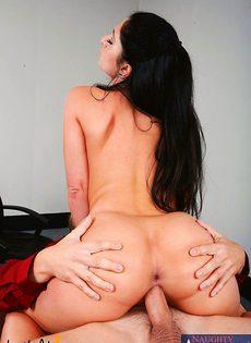Девушка пришла устраиваться секретарш ой и за одно сняла трусики - фото #