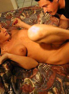 Мужик снял себе проститутку - фото #