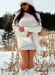 Сексуальные девушки из социальной сети Facebook - фото #