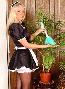 Местная уборщица - фото #