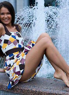 Задрала юбку - фото #