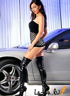 Голый аксессуар к машине - фото #
