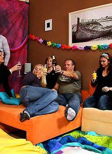Оргии после нескольких бутылок пива - фото #