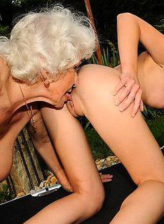 Внучка и бабушка - фото #