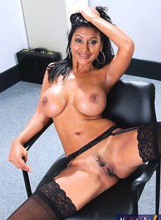 Взяла в рот в офисе - фото #