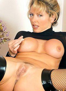 Сексуальные груди секретарши - фото #