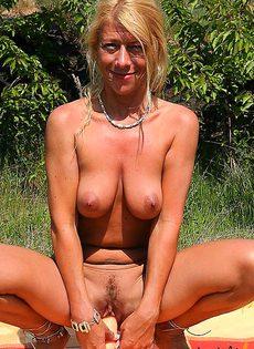Устроила себе пик ник в лесу на опушке - фото #