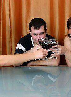Выпили за знакомство - фото #