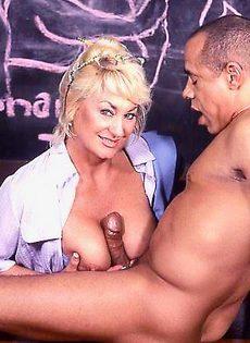 Изучают эротические позы - фото #