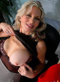 Секретарша на службе у любви - фото #