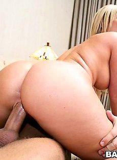 Опоздала на встречу из-за случайного секса - фото #
