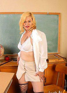 Учительница начальных классно перетрудилась - фото #