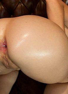 Залили в жопу девушки воду - фото #