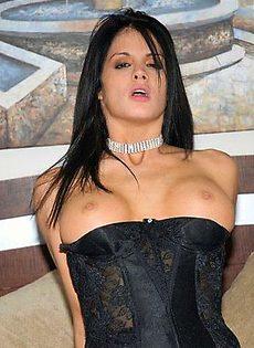 Короновали самую способную проститутку - фото #