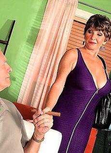 Муж импотент нанял жигало для любимой жены - фото #