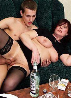 Напоил женщину, а потом спокойненько трахнул - фото #