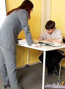 Учительница совратила своего ученика - фото #