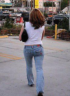 Девушка подобрав в магазине нижнее бельё пошла трахаться - фото #