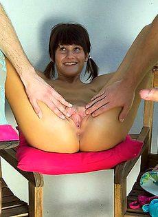 Вместо уроков она выбрала групповой секс с двумя парнями - фото #