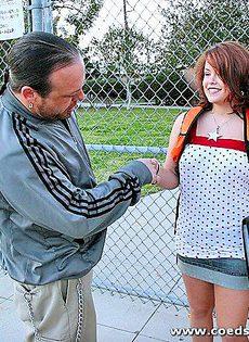 За несколько баксов купил пизду молодой студентки - фото #