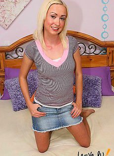 Блондинка сделала себе силиконовые сиськи и сразу же стала порно звездой - фото #