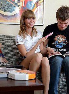 Парень предпочел трахнуть свою девушку в жопу - фото #