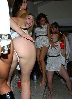 Массовая ебля на вечеринке - фото #