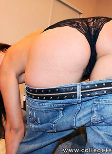 Принимает изящные позы во время секса - фото #