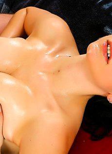 Дала попользоваться своим телом, волосатому парню - фото #
