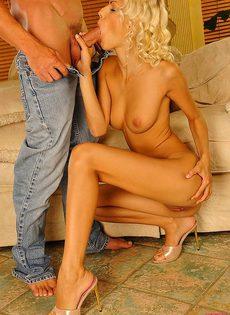 Секс с худенькой блондинкой - фото #