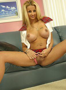 Сексуальная студентка оседлала толстый фаллос учителя - фото #