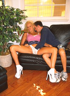 Страстные любовники научились жарко спариваться - фото #