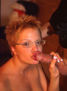 Парочке пришлась по нраву сексуальная ролевая игра - фото #