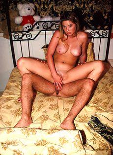 Красотка заслужила после секса порцию густой спермы - фото #