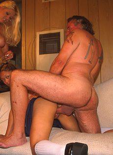 Секс с двумя молодыми телочками - фото #