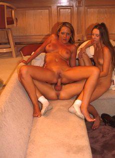 Секс с двумя подругами - фото #