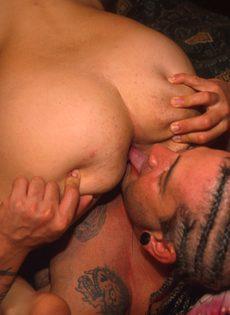 Секс с похотливым приятелем - фото #
