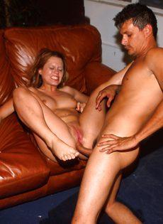 Девка с большой задницей поработала анальной дырой - фото #