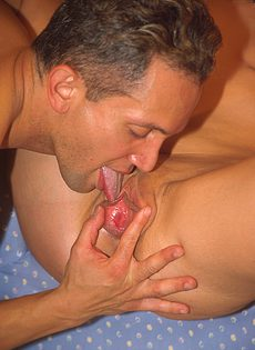 Секс в мягком кресле - фото #