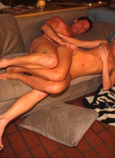 Секс с молодой подругой - фото #