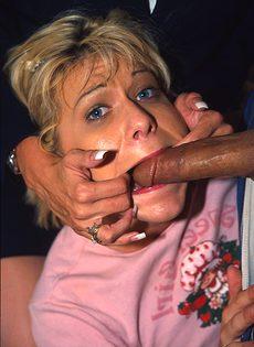 Секс с двумя шлюхами - фото #