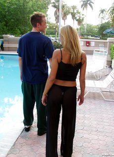 Секс со взрослой соседкой - фото #