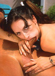Красивая девушка занимается сексом с любовником - фото #