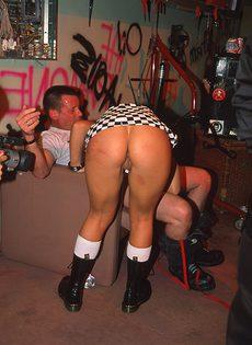 Секс на андерграунд вечеринке - фото #