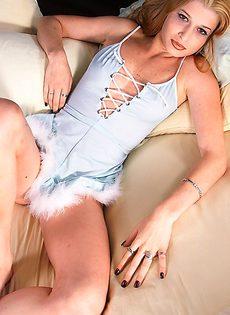 Красивый женский корсет как оружие стриптиза - фото #
